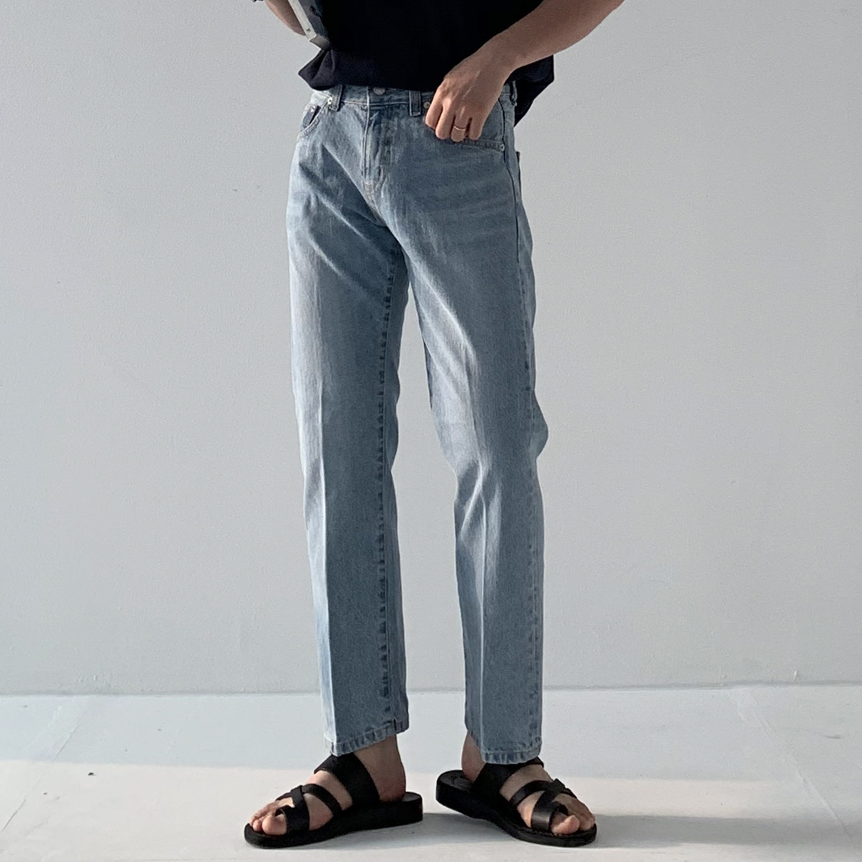 Drop-fit HEAD Jeans